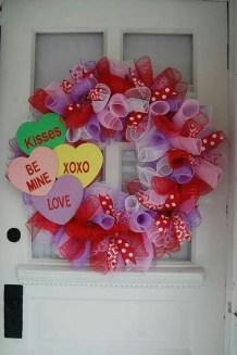 Cute Valentine Door Decorations Ideas To Spread The Seasons Greetings 23