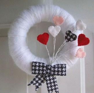 Cute Valentine Door Decorations Ideas To Spread The Seasons Greetings 34