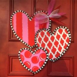 Cute Valentine Door Decorations Ideas To Spread The Seasons Greetings 37