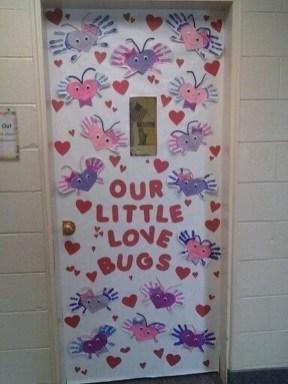 Cute Valentine Door Decorations Ideas To Spread The Seasons Greetings 42