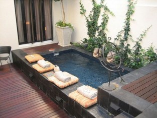 Extraordinary Small Pool Design Ideas For Small Backyard 01