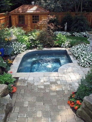 Extraordinary Small Pool Design Ideas For Small Backyard 20
