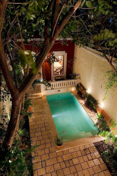 Extraordinary Small Pool Design Ideas For Small Backyard 33