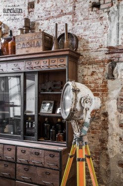 Fabulous Industrial Loft Make Over Ideas For Trendy Home 42