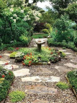 Fascinating Cottage Garden Ideas To Create Cozy Private Spot 14