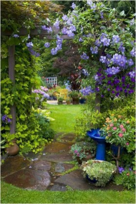 Fascinating Cottage Garden Ideas To Create Cozy Private Spot 17