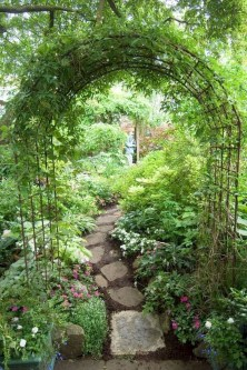 Fascinating Cottage Garden Ideas To Create Cozy Private Spot 22