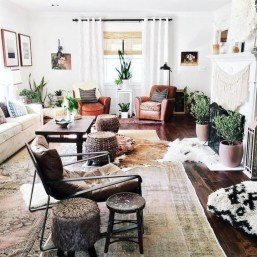 Gorgeous Bohemian Farmhouse Decorating Ideas For Your Living Room 04