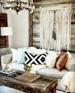 Gorgeous Bohemian Farmhouse Decorating Ideas For Your Living Room 14