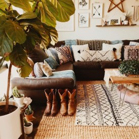 Gorgeous Bohemian Farmhouse Decorating Ideas For Your Living Room 22