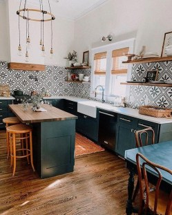 Gorgeous Small Kitchen Design Ideas For Your Small Home 21