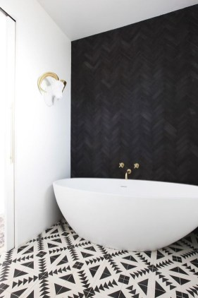 Impressive Black Floor Tiles Design Ideas For Modern Bathroom 34