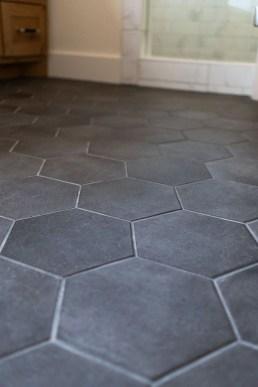 Impressive Black Floor Tiles Design Ideas For Modern Bathroom 43