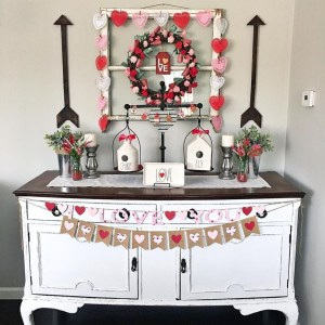 Lovely Valentines Day Home Decor To Win Over The Hearts 05