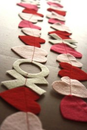 Lovely Valentines Day Home Decor To Win Over The Hearts 11