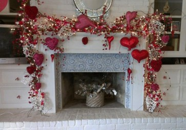 Lovely Valentines Day Home Decor To Win Over The Hearts 25