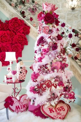 Lovely Valentines Day Home Decor To Win Over The Hearts 40