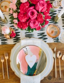 Magnificent Dining Room Decorating Ideas For Valentine's Day 05