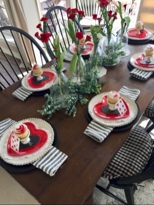 Magnificent Dining Room Decorating Ideas For Valentine's Day 06