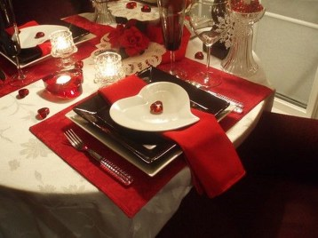 Most Inspiring Valentine's Day Simple Table Decoration Ideas 07