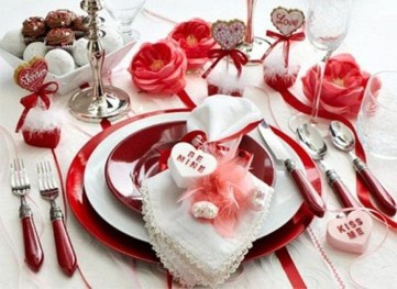 Most Inspiring Valentine's Day Simple Table Decoration Ideas 13