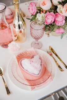 Most Inspiring Valentine's Day Simple Table Decoration Ideas 17