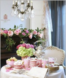 Most Inspiring Valentine's Day Simple Table Decoration Ideas 21