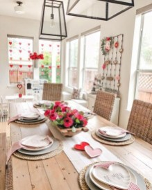 Most Inspiring Valentine's Day Simple Table Decoration Ideas 22