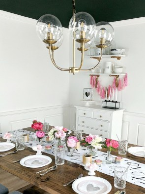 Most Inspiring Valentine's Day Simple Table Decoration Ideas 33