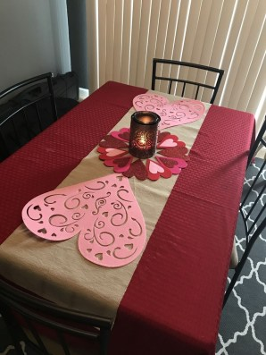 Most Inspiring Valentine's Day Simple Table Decoration Ideas 44