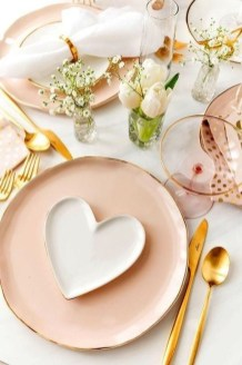 Perfect Valentine's Day Romantic Dining Table Decor Ideas For Two People 01