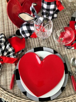 Perfect Valentine's Day Romantic Dining Table Decor Ideas For Two People 03