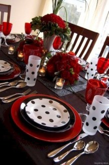 Perfect Valentine's Day Romantic Dining Table Decor Ideas For Two People 04