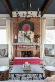 Romantic Valentine Decoration Ideas For Your Living Room 26