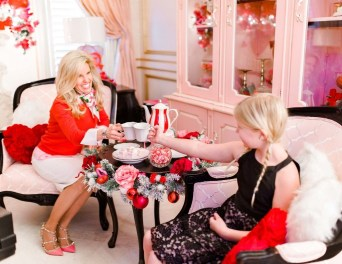Romantic Valentine Decoration Ideas For Your Living Room 31