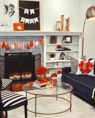 Romantic Valentine Decoration Ideas For Your Living Room 41