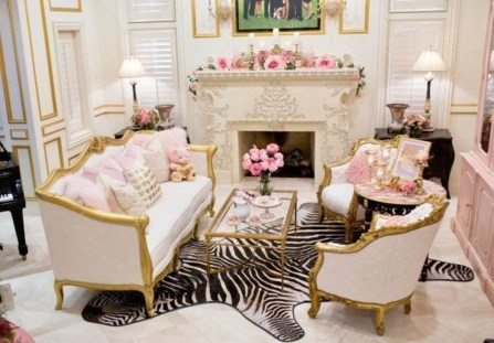 Romantic Valentine Decoration Ideas For Your Living Room 48