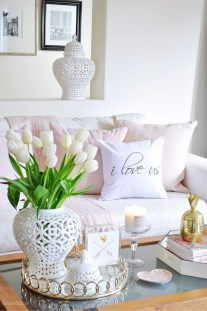 Romantic Valentine Decoration Ideas For Your Living Room 50