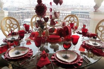 Unordinary Valentine Outdoor Decorations Table Settings For Couple 16