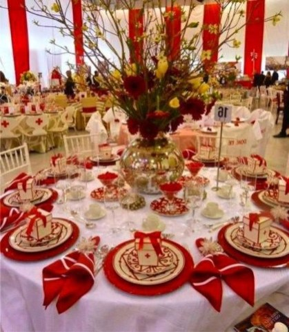 Unordinary Valentine Outdoor Decorations Table Settings For Couple 29