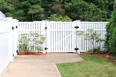 Awesome Farmhouse Garden Fence For Winter To Spring 16