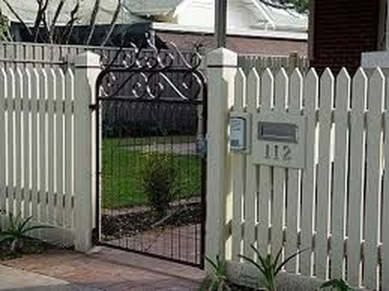 Awesome Farmhouse Garden Fence For Winter To Spring 52