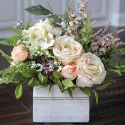 Best Spring Flower Arrangements Centerpieces Decoration Ideas 46