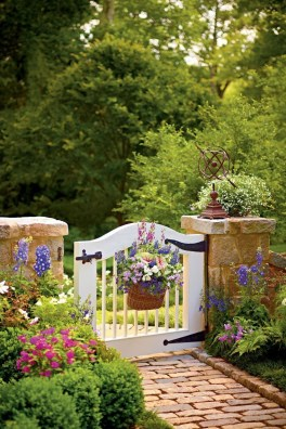 Creative DIY Exterior Design Ideas For Spring And Summer 09