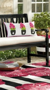 Cute Spring Porch Pillow Decoration Ideas That Will Inspire You 07