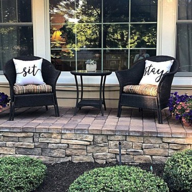 Cute Spring Porch Pillow Decoration Ideas That Will Inspire You 34