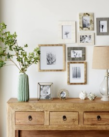 Easy And Simple Shelves Decoration Ideas For Living Room Storage 28