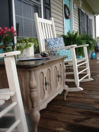 Elegant Chair Decoration Ideas For Spring Porch 19