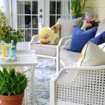 Elegant Chair Decoration Ideas For Spring Porch 27
