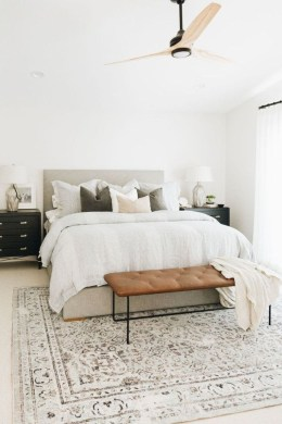 Fabulous White Bedroom Design In The Small Apartment 08
